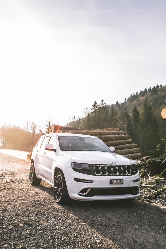 Jeep Grand Cherokee 6.4 SRT8 4×4: Wir sind keine Freunde - Auto Kunz AG 12