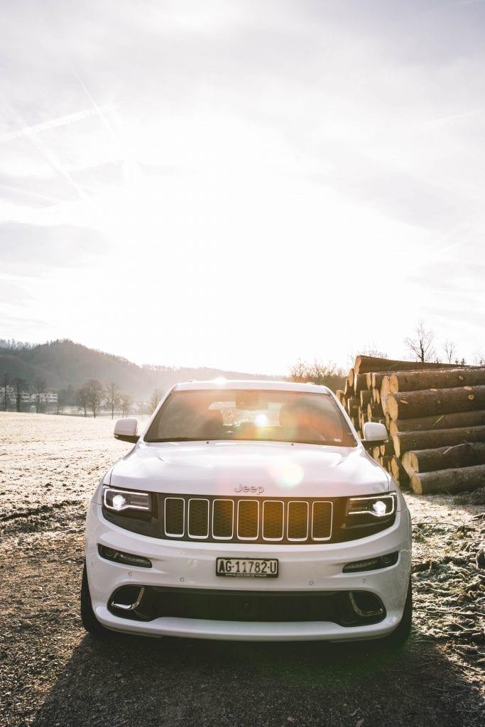 Jeep Grand Cherokee 6.4 SRT8 4×4: Wir sind keine Freunde - Auto Kunz AG 13